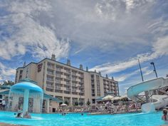Music Road Resort Outdoor Pool in Pigeon Forge