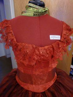 Sarah Tanz der Vampire Ballkleid ball gown costume Kostüm bodice close up