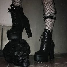 Find images and videos about grunge, aesthetic and shoes on We Heart It - the app to get lost in what you love. Edgy Outfits, Grunge Outfits, Grunge Fashion, Cute Outfits, Fashion Outfits, Dark Fashion, Girl Outfits, Aesthetic Grunge Outfit, Goth Aesthetic