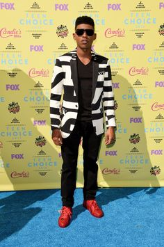Pin for Later: Seht alle Stars bei den Teen Choice Awards! Yazz