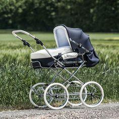 Corrado - the classic one. It has a canopy with clamping brackets.  Unser Klassiker, mit einem Verdeck mit Spannbügel. #Kinderwagen #pram#pushchair #sportwagen #stroller#madeingermany #baby#hesba#retro