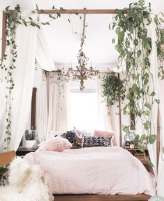 Small Space Decor Tips From A 650 Square Foot Bohemian Apartment - Bedroom decor apartment sleep Small-Space Decor Tips From This Gorgeous Boho Apartment Bohemian Bedroom Decor, Bohemian Bedding, Bohemian Curtains, Whimsical Bedroom, Bohemian Decorating, Bohemian Room, Bohemian Living, Bedroom Vintage, Decorating Small Spaces