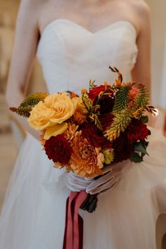 Orange, yellow, and red bridal bouquet | Image by Through the Glass Paris. Wedding Blog, Wedding Styles, Wedding Day, Bouquet Images, Simple Centerpieces, Spring Blooms, Elopement Inspiration, Floral Crown, Bridal Bouquets