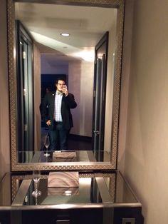 Mandarin Oriental, New York Shows OJ&B The With Their Newly Designed Suites Design Suites, Mandarin Oriental, Orange Juice, Bathroom Lighting, Biscuits, Selfie, Mirror, Home Decor, Bathroom Light Fittings