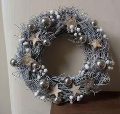 SILVER CHRISTMAS WREATH ...