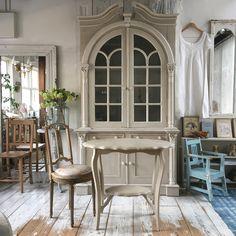 シャビーシックなチェアとテーブル〜ティータイムやランチにぴったり〜(*^^*) #ブロカント #ココンフワット #フランスアンティーク #フランスアンティーク 家具
