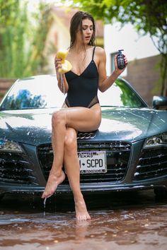 Sexy Cars, Hot Cars, Chicano, Beautiful Legs, Beautiful Women, Barefoot Girls, Car Girls, Sexy Hot Girls, Sexy Body