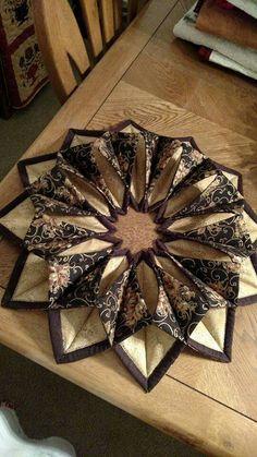 Table mat decoration