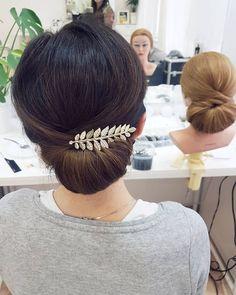 Efekty warsztatów z fryzur Sylwestrowych!  Kasia opanowała koka hiszpańskiego do perfekcji :) zarówno na główce treningowej jak i na sobie samej  . . . #warsztaty #fryzury #nasylwestra #kok #hiszpanski #wlosy #hair #hairstyle #hairdo #hairart #style #fashion #hairideas #hairphoto #brunette #polishgirl #beautiful #cute #hairworkshop #training #hairstylist #hairartist #ilovemyjob