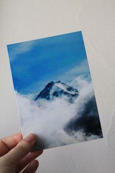 """Carte postale """"montagne dans les nuages"""" : Cartes par le-petit-bazar-des-trinomettes-en-delire"""