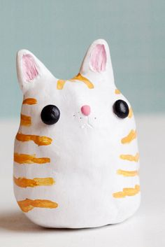 What's on this clay kitty's mind?