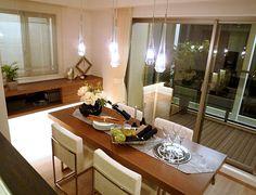 D216ペンダントライトからの光5つのペンダントライトに照らされる食卓は優しい光に包まれた食事に。