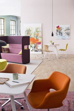 PodMeeting, Alku table, Kilta and Sola chairs making a perfect combo. Floor Chair, Innovation, Accent Chairs, Cool Designs, Conference Room, Interior, Table, Furniture, Home Decor