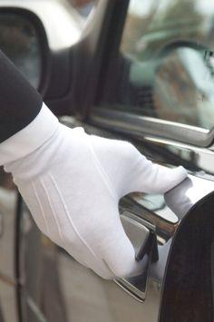 White glove service. KARLMANNLEGUR