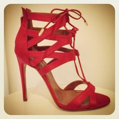 It's #NYFW & that means outrageous styles that we love <3 Like these Aquazurra shoes.