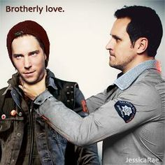 Haha, this is pretty cute, Troy Baker and his brother in Infamous: Second Son dressed as their characters -Will