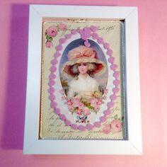 Aire vintage!!! Cuadro pequeño, artesanal, papeles decoupage y cinta madroñera para decorar, abalorios... Ideal para regalar en cualquier ocasión!!!.
