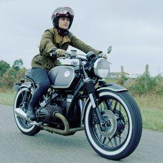 Bmw Motorbikes, Bmw Motorcycles, Custom Motorcycles, Cafe Racer Girl, Bmw Cafe Racer, Bmw Classic, Classic Bikes, R1200r, Bmw Motors