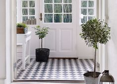 Porch inspiration and ideas to create a beautiful, stylish and welcoming porch for your home. Enclosed Front Porches, Small Porches, Small Entrance Halls, Country Hallway, Porch Interior, Porch Flooring, Modern Staircase, Girl House, House Front