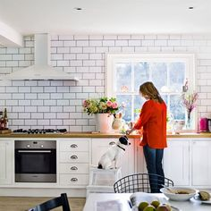 grey grout or white that is the question! Kitchen Tiles, Kitchen Reno, Diy Kitchen, Kitchen Interior, Kitchen Design, Kitchen Floor, Tile Around Window, Beautiful Kitchens, Cool Kitchens