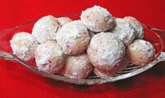 Cherry Walnut Balls- A surprising and delicious filling of maraschino cherries and toasted walnuts makes these sweet bites irresistible. Baking Recipes, Cookie Recipes, Dessert Recipes, Dessert Food, Walnut Balls Recipe, Walnut Cookies, Cookie Brownie Bars, Food Now, How Sweet Eats