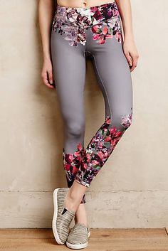 Activewear & Workout Clothes for Women Crop Top And Leggings, Floral Leggings, Printed Leggings, Leggings Sale, Cheap Leggings, Awesome Leggings, Running Leggings, Floral Pants, Mode Yoga