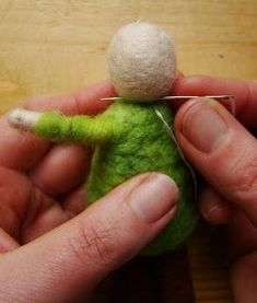 complete tutorial for wool felt dolls, with beards and hats or without
