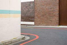 Simple Present / Bert Danckaert, 2011 Great images from global cities by Belgian photographer Bert Danckaert. Such a great sense of colour & composition. Contemporary Photography, Urban Photography, Fine Art Photography, Minimal Photography, Photography Ideas, Contemporary Art, Chasing Pavements, Best Photographers, Creative Studio