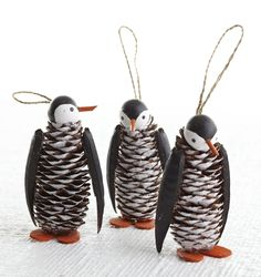 Simpatici pinguini realizzati con le pigne