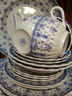 Delft Blue And White Churchill Plate High Standard In Quality And Hygiene Pottery & Glass