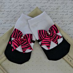 Baby Girl Socks Mary Jane Socks Hot Pink Bow by ShopatDoodleBugs, $5.50