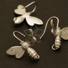 Honey Bee Hook Earrings, Matte Silver Plated over Brass / 13 x 18mm