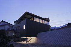 blackened timber house ~ yoshio ohno architects