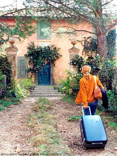 Under the Tuscan Sun  While the movie didn't earn rave reviews or win any awards, Under the Tuscan Sun is well worth watching for its rendering of the scenic and gustatory delights of Italy. Diane Lane plays the recently divorced Frances, an American who finds herself a lonely homeowner in Tuscany, longing for companionship, a family, and running water, among other things.