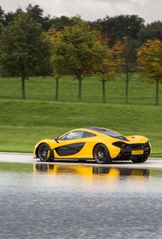 McLaren releases official performance figures for its new flagship supercar as first customer takes delivery. Mclaren P1, Mclaren Cars, Automotive Manufacturers, Automotive News, Chasing Cars, Mc Laren, Super Sport Cars, Tuner Cars, Modified Cars
