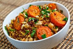 Moroccan Roasted Carrot and Chickpea Quinoa Salad- roasted chickpea and red onion with carrots. Used chicken broth for quinoa and added raisins during cooking. Quinoa Salad Recipes, Vegetarian Recipes, Cooking Recipes, Healthy Recipes, Chickpea Salad, Quinoa Pilaf, Quinoa Recipe, Carrot Recipes, Cooking Tips