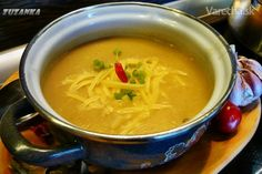 Skvelá cesnaková polievka - recept | Varecha.sk Soup Recipes, Dinner Recipes, Cooking Recipes, Healthy Recipes, Czech Recipes, Ethnic Recipes, Pecan Pralines, Salty Foods, Polish Recipes