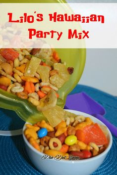 Lilos Hawaiian Party Mix, a tasty snack your whole family will love for your Lilo and Stitch Family Movie Night or themed party. Luau Snacks, Hawaiian Snacks, Luau Food, Hawaiian Luau Party, Hawaiian Birthday, Luau Birthday, Birthday Ideas, Lilo And Stitch Movie, Lilo Stitch