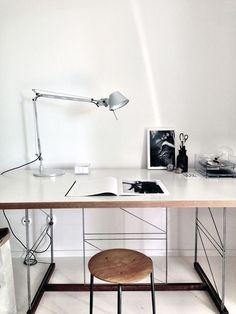 Domowe biuro design biuro biuro w domu stylowe biuro home office inspirations Workspace Inspiration, Interior Inspiration, Room Inspiration, Inspiration Boards, Home Office Design, Home Office Decor, House Design, Home Decor, Wall Design