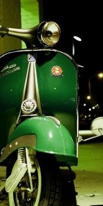 OK I need this green Vespa !    Ok I had this green Vespa!