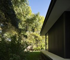 Image 16 of 24 from gallery of CTN House / Brengues Le Pavec architectes. Photograph by Marie-Caroline Lucat Montpellier, Architect Jobs, Farnsworth House, Steel Frame House, Architecture Art Design, Portable House, House Extensions, Florida Home, Modern House Design