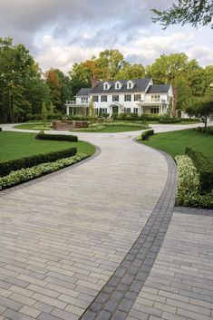 It's time to choose your perfect pavers. Here are a few of our favorite driveway paver patterns. Front House Landscaping, Driveway Landscaping, Modern Landscaping, Driveway Ideas, Paver Patterns, Paving Pattern, Stone Driveway, Driveway Design, Landscape Pavers