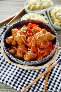 Wieprzowina słodko-kwaśna w cieście Japchae, Chicken Wings, Curry, Food And Drink, Meat, Ethnic Recipes, Kitchen, Clothes, Gastronomia
