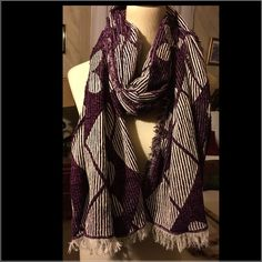 Urbab Outfitters extra large winter scarf Gorgeous thick extra large very wide Urban Outfitters scarf with fringe and flower design!! Perfect for the cold weather!! Urban Outfitters Accessories Scarves & Wraps