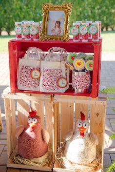"""Festa do """"Sítio do Picapau Amarelo"""" é feita com materiais reciclados"""