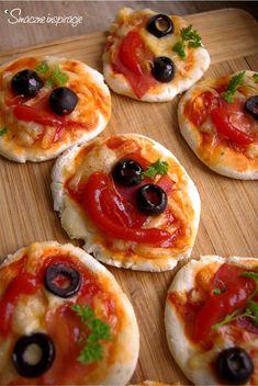Mini pizze (bez glutenu) - Smaczne Inspiracje Pizza Tarts, Gluten Free Pizza, Bruschetta, Vegetable Pizza, Sushi, Grilling, Food And Drink, Snacks, Ethnic Recipes