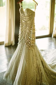 J'aton Couture wedding dress. Holy crap, can you say Great Gatsby? <3