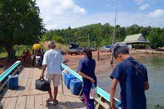 Relax on Koh Jum Nach dem Norden folgt der Süden! Noch mal kurz zum ausspannen an die Andaman Sea. Koh Jum wurde mir von einer Bekannten genannt, um mal richtig auszuspannen und den Touristen Massen in Thailand zu entkommen. Es schon einmal vorwegzunehmen – sie hatte damit recht, obwohl Koh Lanta und Koh Phi Phi nicht weit entfernt sind.  https://www.overlandtour.de/relax-koh-jum/  #AndamanSeaThailand #KohJum #PierLeanKurat #PierMuTu koh_jum_2014_003