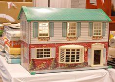 68 Best Vintage Tin Lithographed Dollhouses Images Vintage Tins