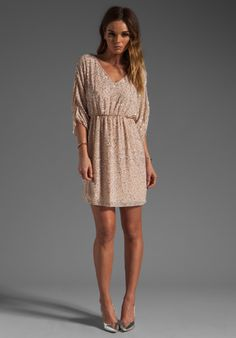 ALICE + OLIVIA Olympia Embellished Tunic Dress in Pale Peach/Silver - Sequin